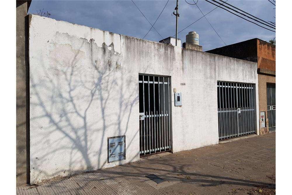 Casa en venta de 2D. en barrio ROMA