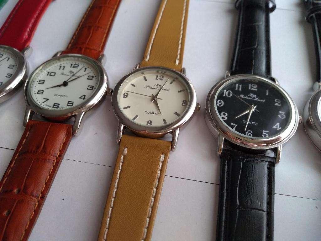 1beadb6d842c Reloj pulsera mujer cuadrante grande Richard Marcell