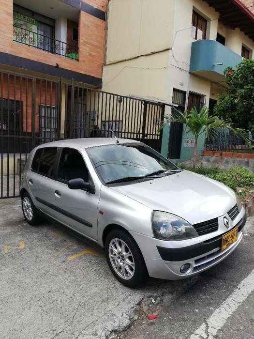 Renault Clio  2005 - 159000 km