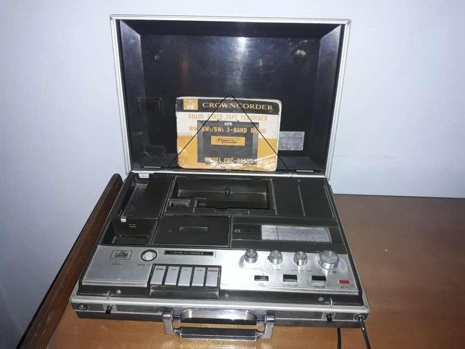 reproductor de casetes y radio.