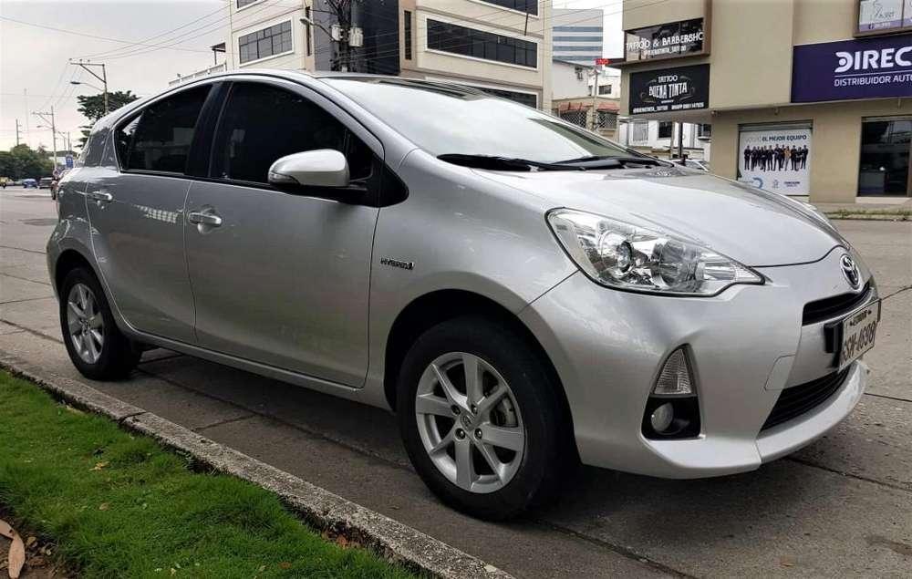 Toyota Prius 2015 - 95000 km