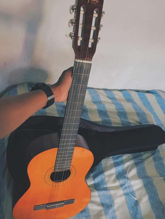 Guitarra Fender SquierForroAfinador