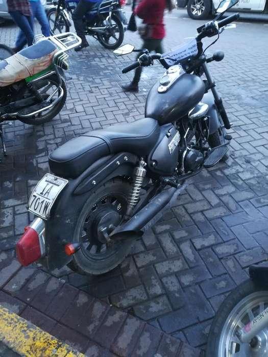Vendo Moto Kemway 200 Año 2013