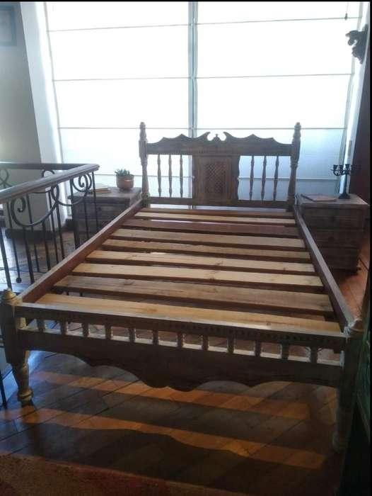 <strong>cama</strong> de 1,20 x 1.90 cm y 2 mesas de noche (no idénticas). Estilo Vintage/Antiguo. Pintado a mano al estilo vintage.