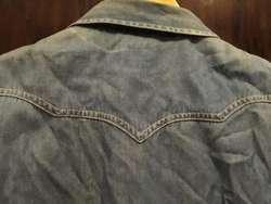 Camisa de Jean Levis. Talle S