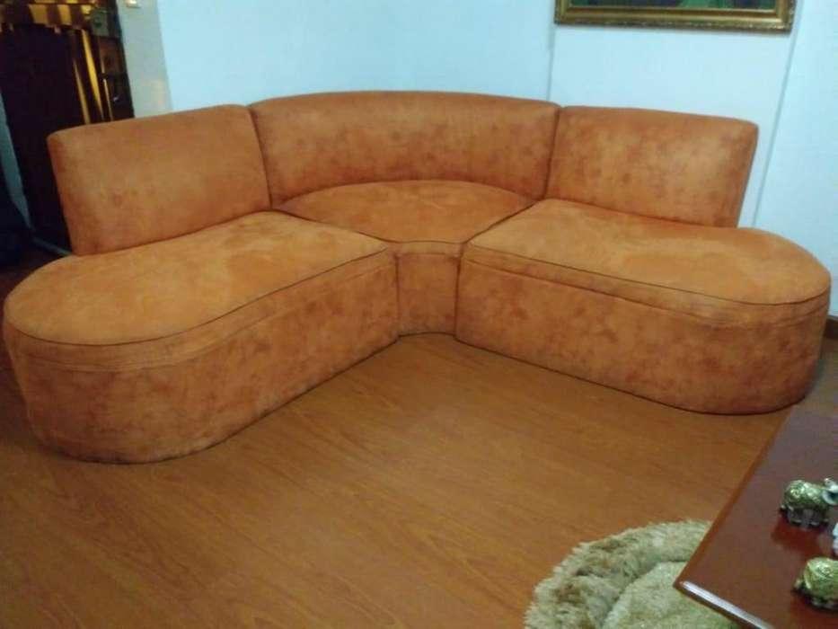 Sofá y dos <strong>sillas</strong> para una bonita sala