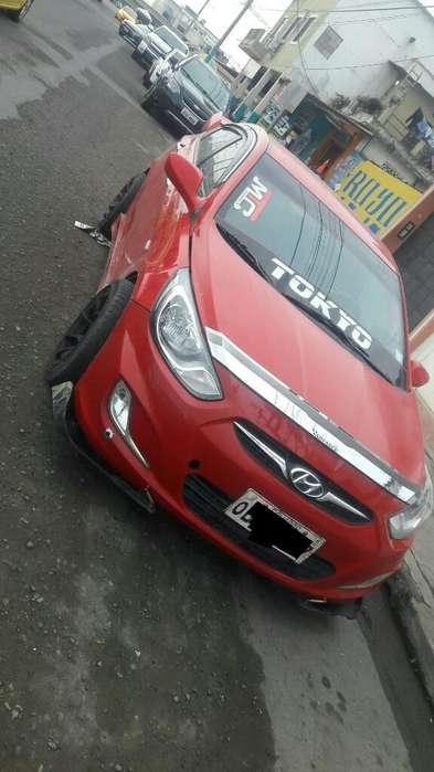 Hyundai Accent 2014 - 2503645 km