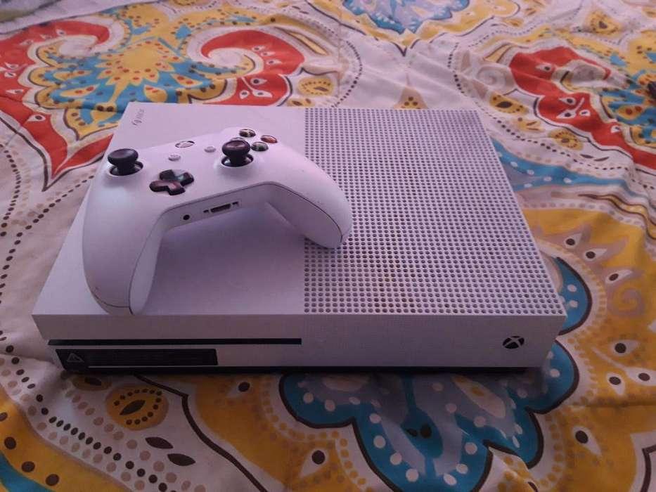 Se Vende Xbox One con Un Control 4 Juego