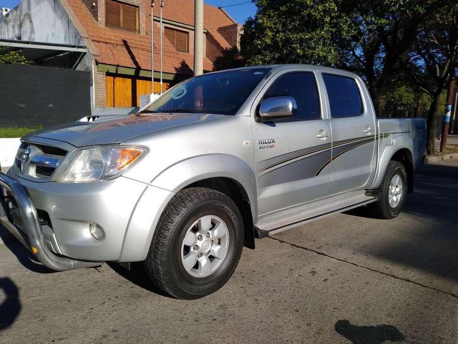 Toyota Hilux 2008 - 220000 km