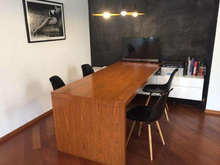 Mueble multi-usos. Comedor/oficina.