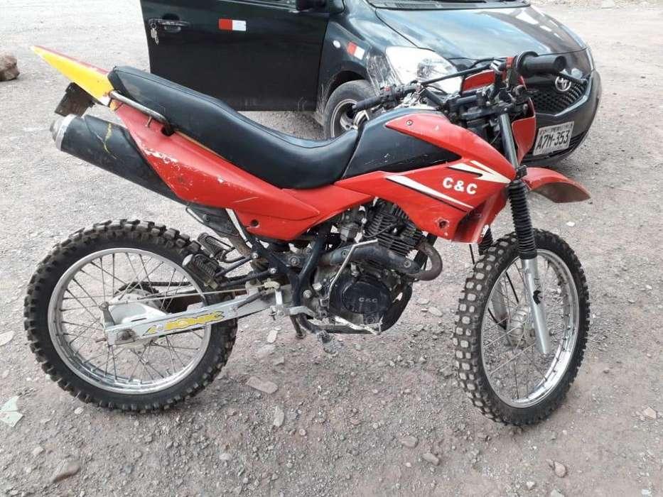 Vend moto lineal deportiva