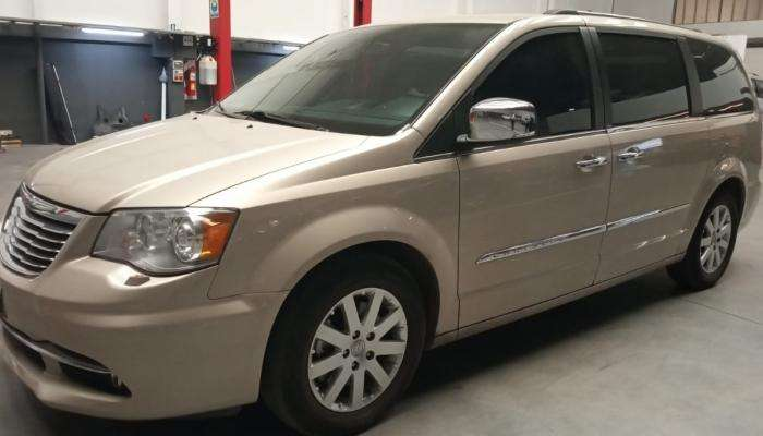 <strong>chrysler</strong> Town Country 2013 - 100000 km