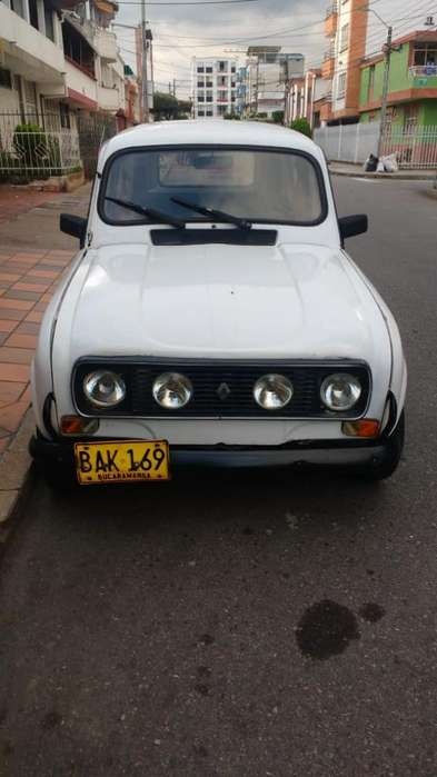 <strong>renault</strong> R4  1989 - 0 km