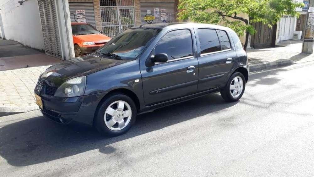 Renault Clio  2011 - 86000 km