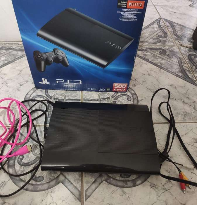 Se Vende Play 3 Super Slim. Negociable