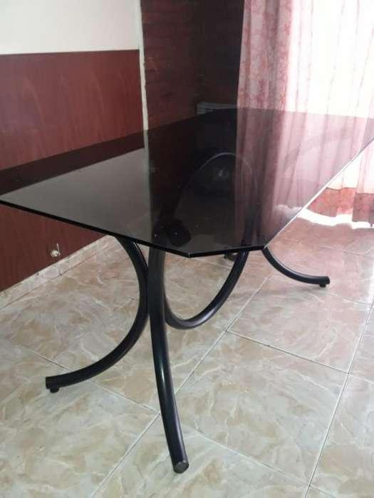 Mesa de <strong>comedor</strong> de vidrio