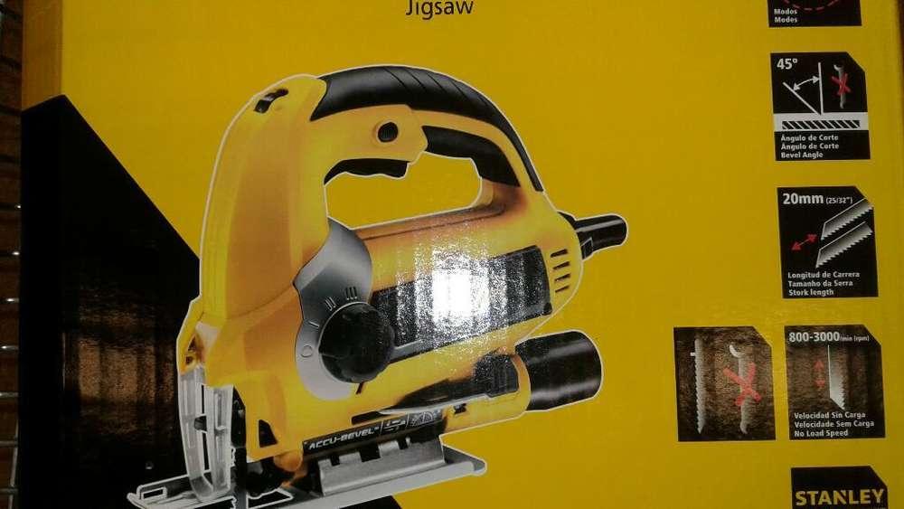 Sierra Caladora Profesional Stanley 600w