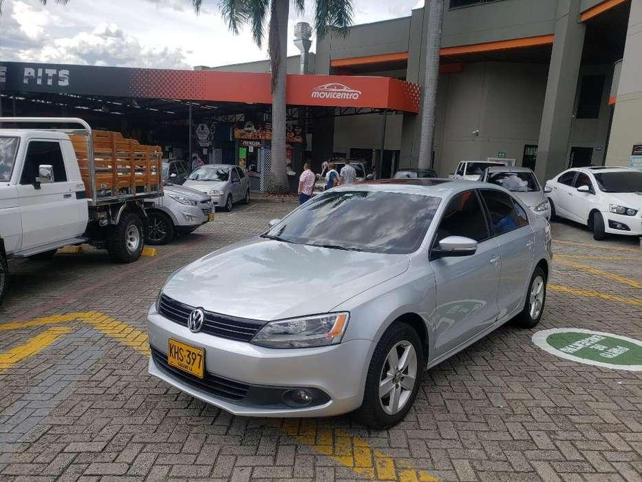 Volkswagen Nuevo Jetta 2011 - 86900 km
