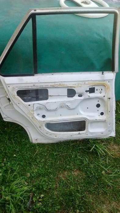 Puerta Renault 9