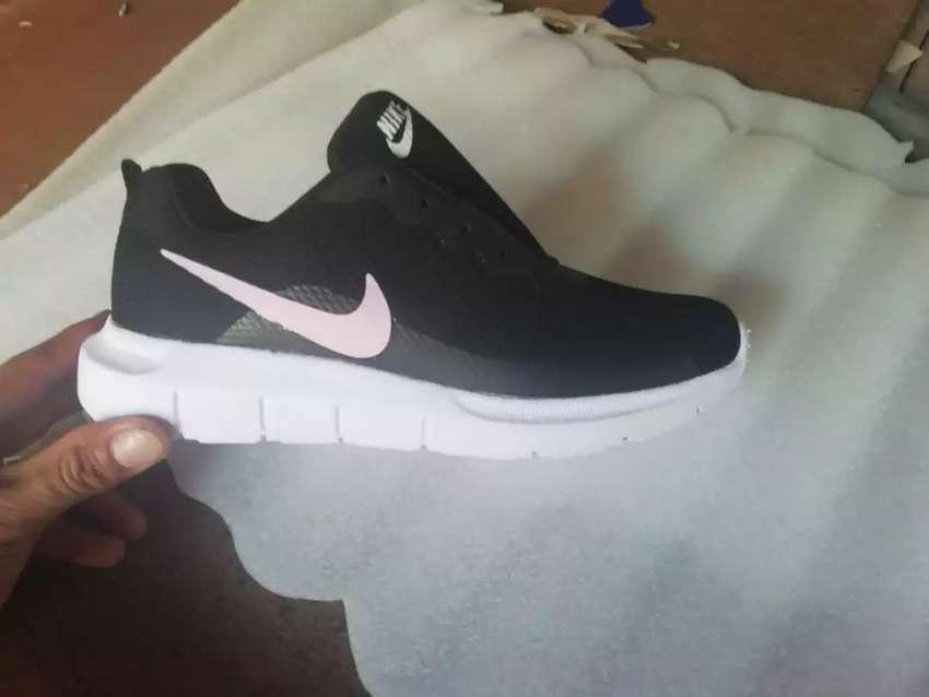 estilo actualizado auténtico auténtico tienda de liquidación Zapatillas Nike y Adidas - Ropa y Calzado - 1100990735