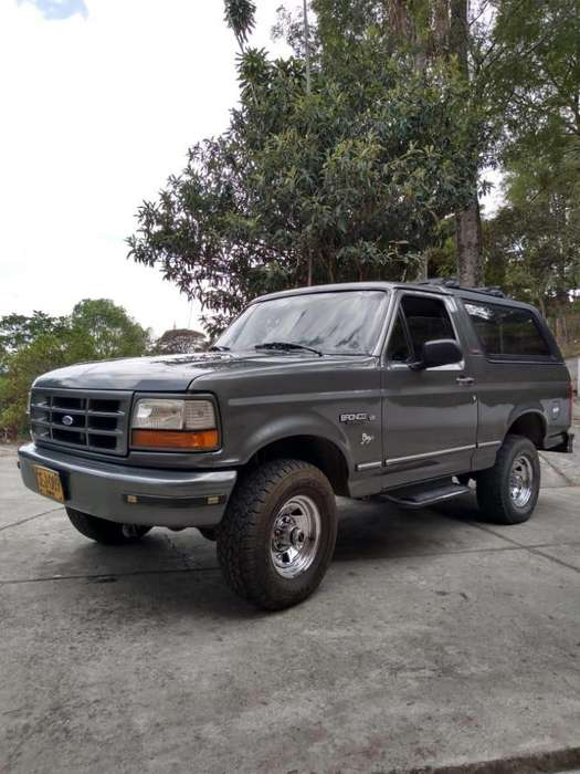 Ford Bronco 1996 - 0 km
