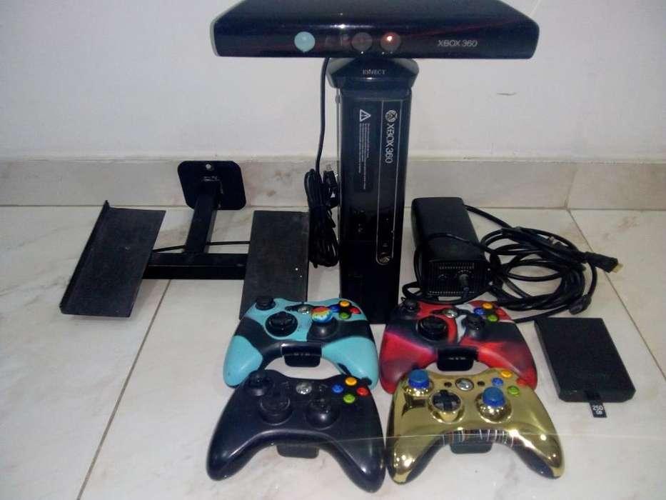 Xbox 360 Slim E 4 Controles Disco Duro