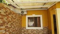Casa Amoblada en Alquiler / Renta Urb. La Joya Av. León Febres Cordero cerca al Supermaxi