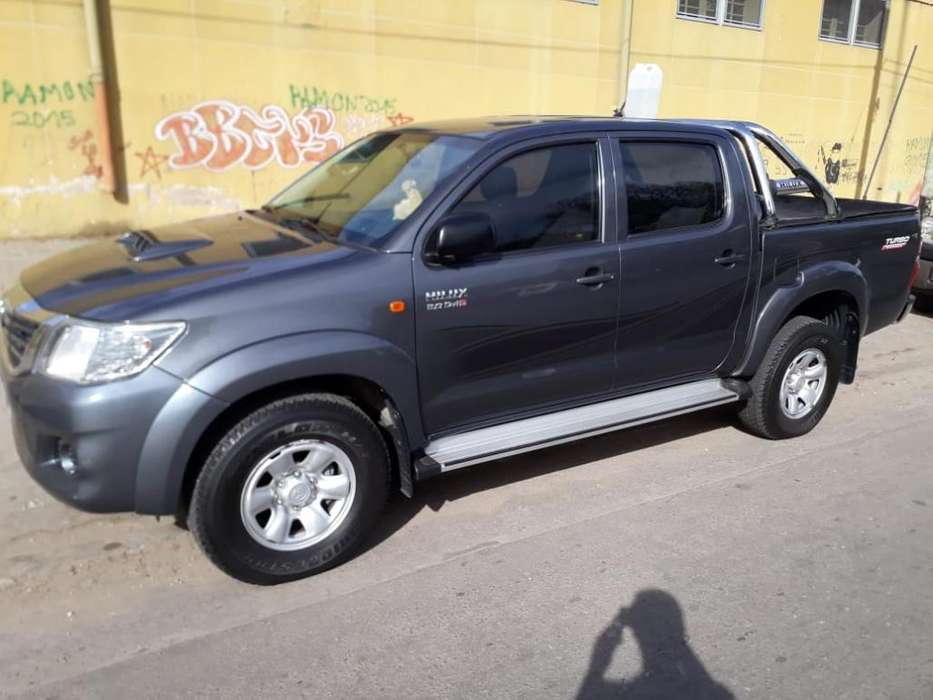 <strong>toyota</strong> Hilux 2013 - 89000 km
