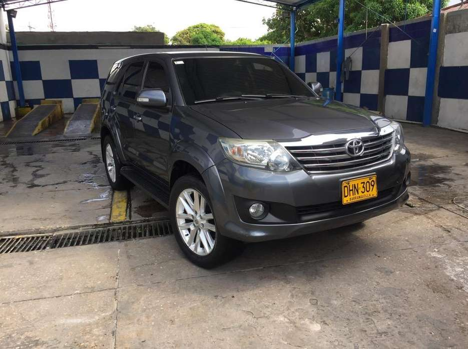 <strong>toyota</strong> Fortuner 2012 - 115000 km