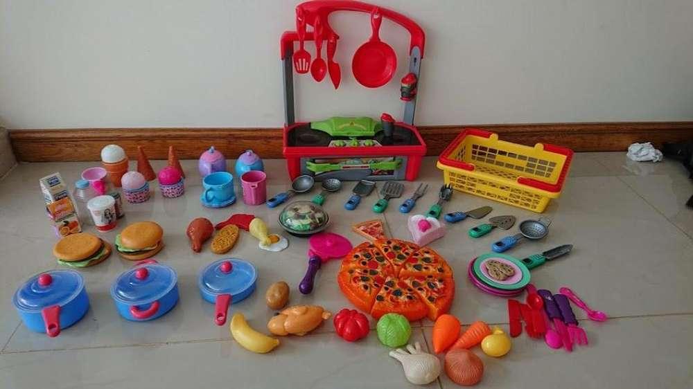 Vendo set cocinita de juguete con accesorios en excelente estado