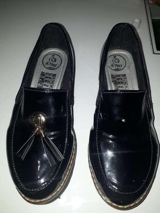 Zapatos en Charol Nuevos