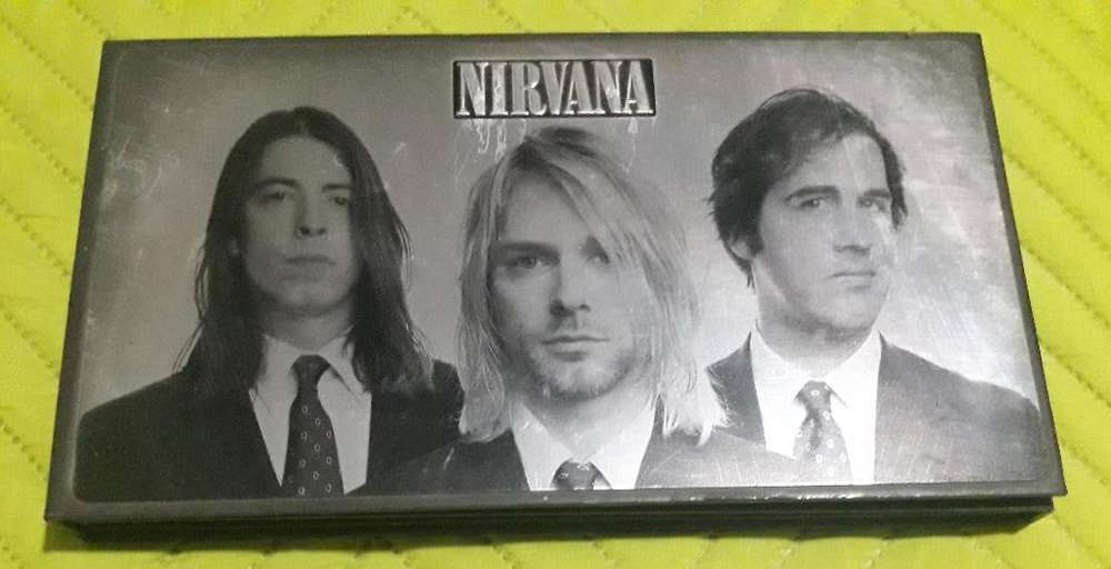 Nirvana-with The Lights Out-foo Fighters