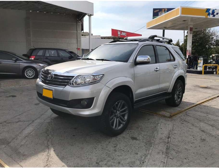 Toyota Fortuner 2013 - 97000 km