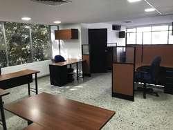 ARRIENDO DE OFICINA EN SANTA MARIA DE LOS ANGELES SUR ORIENTAL  MEDELLIN 823-118