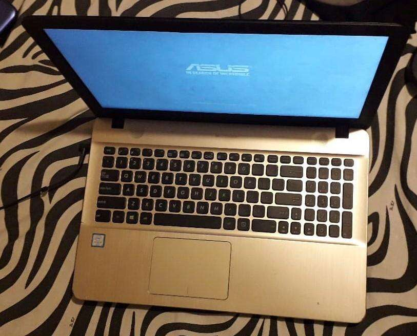 Laptop Asus X541UA