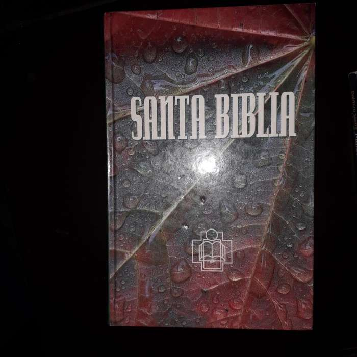 Santa Biblia Tapa Dura