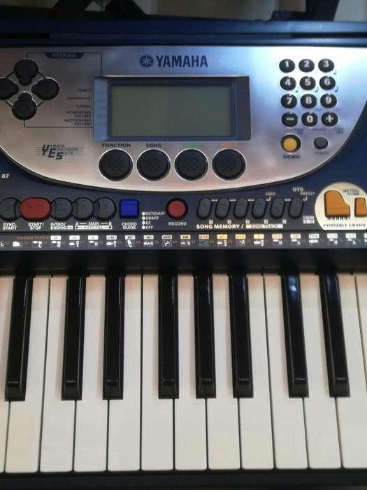 TECLADO ORGANO ELECTRONIC PIANO YAMAHA PSR 270 SEMI NUEVO ,PRECIO AL POR MAYOR