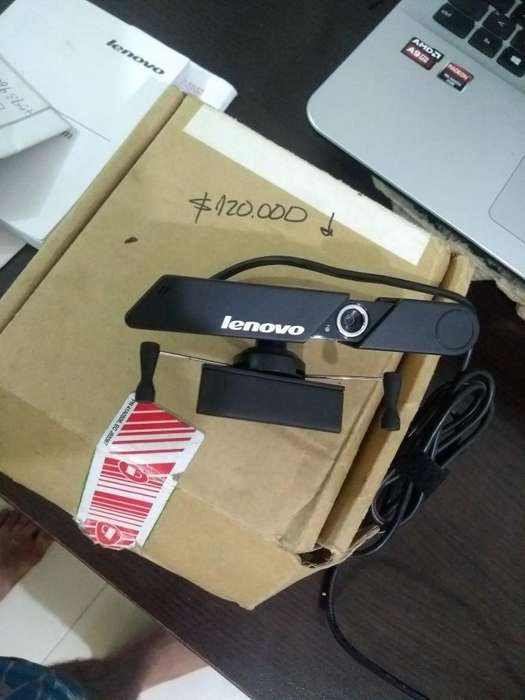 Camara Webcam Lenovo Usb 720HD nueva solo 2 meses de uso