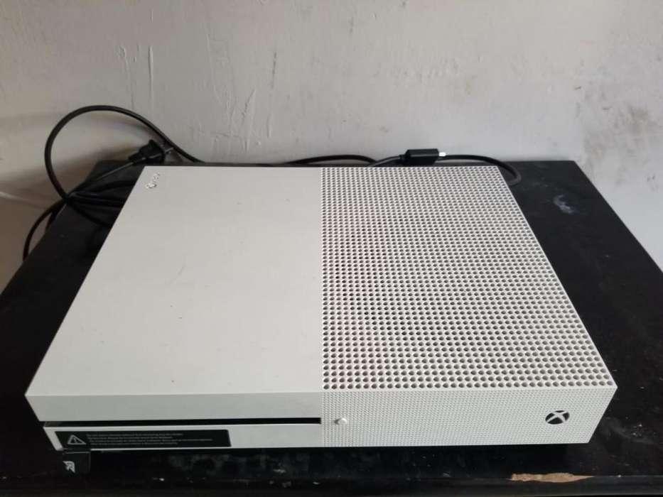 Xbox One S Dos Controles con Fifa 19