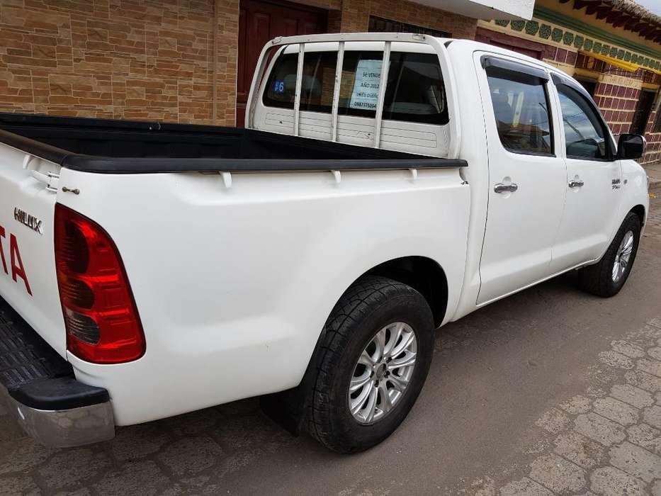 Toyota Hilux 2012 - 1 km