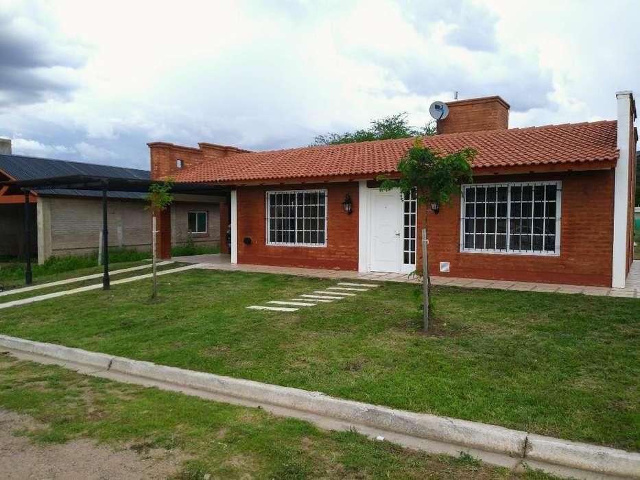 Alquilo Casa en Barrio Privado, J Koslay