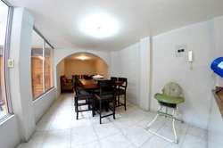 Casa con 7 habitaciones y 5 baños sector norte por la saboya a una cuadra de la pizzería gourmet