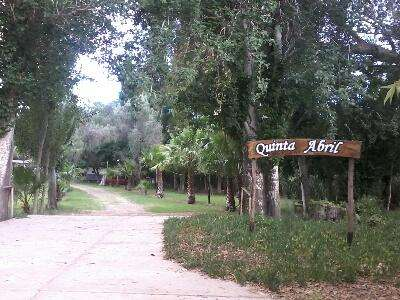 Quinta Abril Mendoza. hectarea parquizada y quincho cerrado para eventos