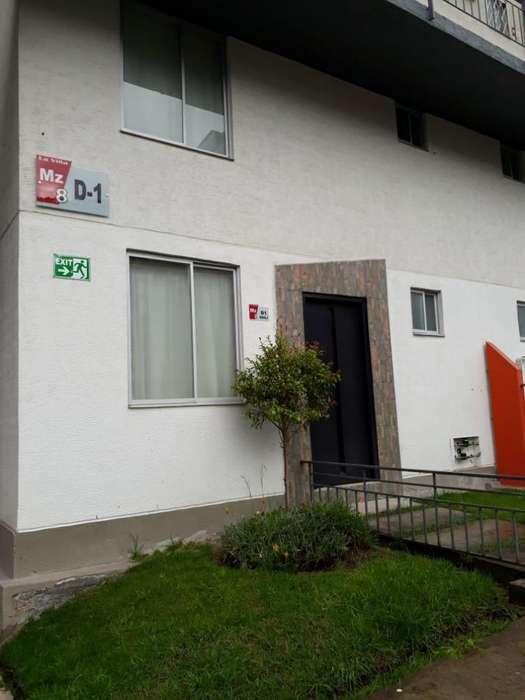 VENDO Casa <strong>duplex</strong> Seminueva con 2 Parqueaderos. Sur Quito - Caupicho