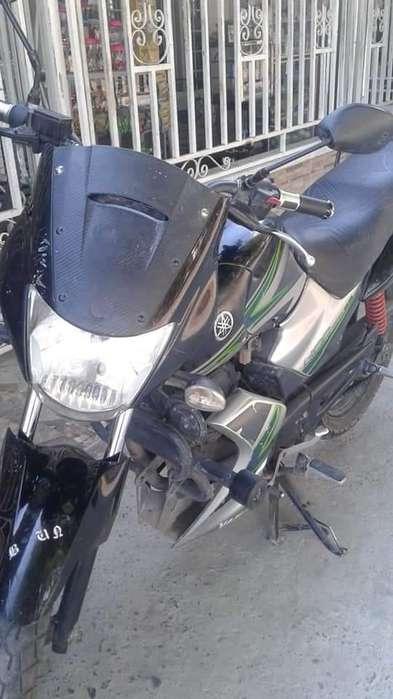Se vende moto YBR 125 2013