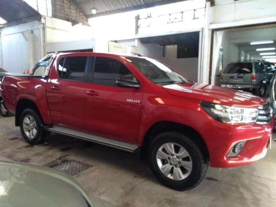 Toyota Hilux 2018 - 50000 km