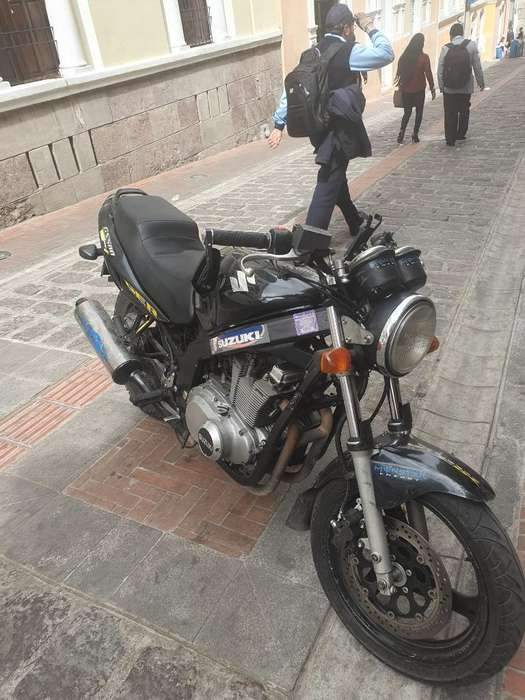 Suzuki 500 Buen Estado en 3.500 Negosiab