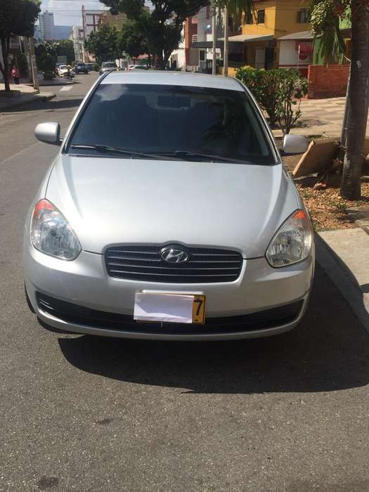 Hyundai Accent 2011 - 150000 km