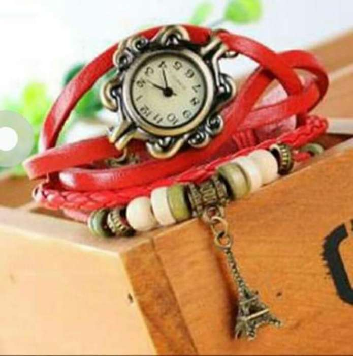 Reloj Tipo Pulceras