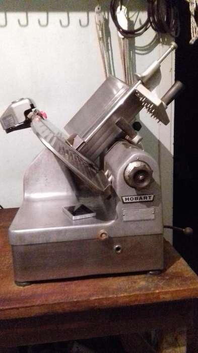cortadora de fiambres marca hobart 1712 automatica dos velocidades 15.000